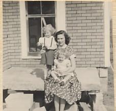 Phyllis Byers, Jane Goodwin, Teresa Chestnut