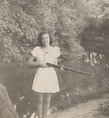 Phyllis Byers, mom, shotgun